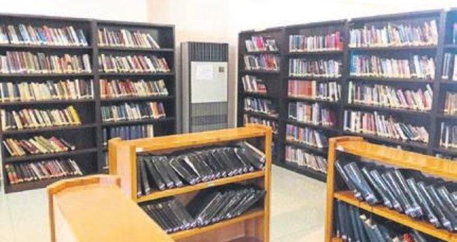 Kütüphanelerde temizlik tam gaz