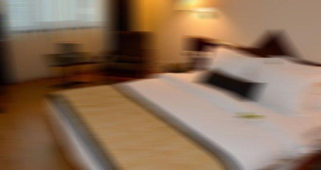 Otel odasında yaşamını yitirdi
