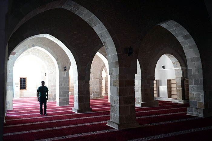 Asırlık cami yıllara meydan okuyor