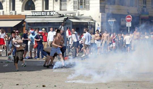 Ruslar ve İngilizler Fransa'yı birbirine kattı: UTANÇ