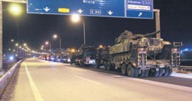 Tank ve zırhlı araçlar sınıra ilerliyor