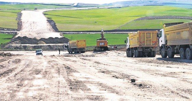 Büyükşehir bin 100 km yeni yol açtı