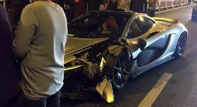 2 Milyon Dolarlık McLaren parçalandı