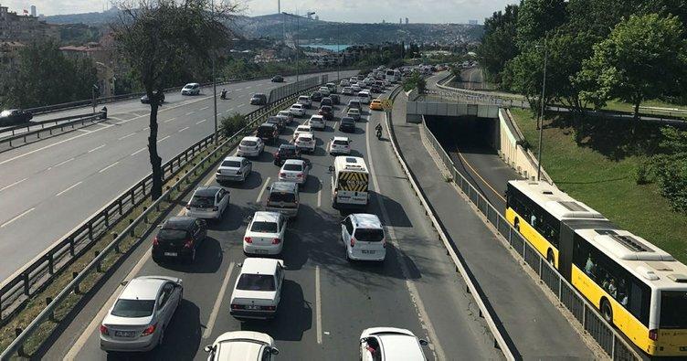 15 Temmuz Şehitler Köprüsü'nde trafik durma noktasına geldi