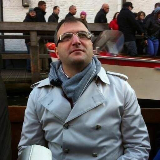 Ekrem Dumanlı gazeteci tokatladı Sosyal medya sallandı