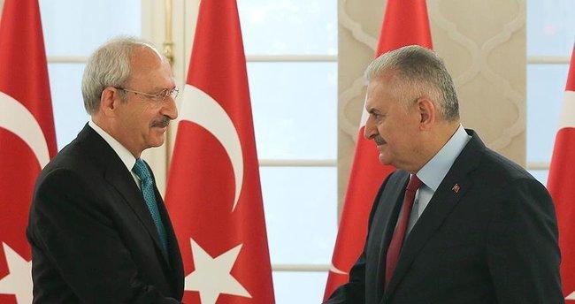 Başbakan Yıldırım Kılıçdaroğlu'nu tebrik etti