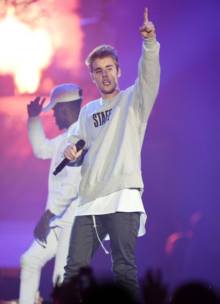 Justin Bieber'a sahnede büyük şok!