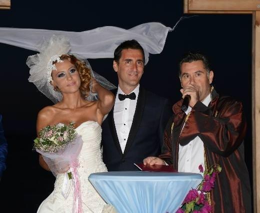 Bekir Aksoy evlendi