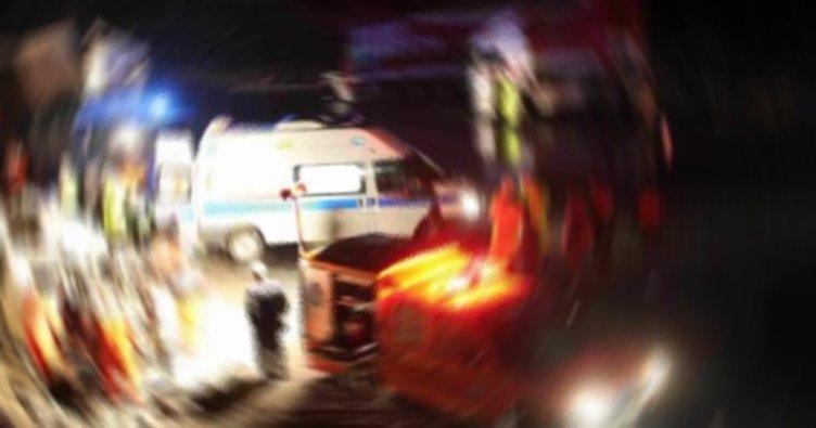 Minibüs ağaca çarptı: 4 yaralı