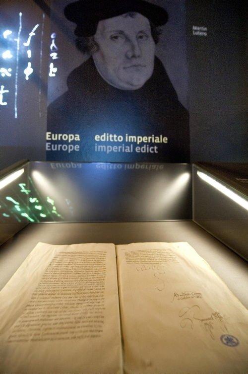 Vatikan Gizli Arşivleri