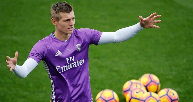Real Madrid'de Kroos sakatlandı