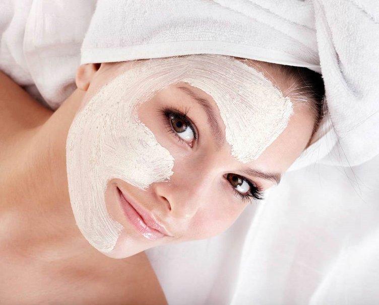 Daha ferah bir cilt için sakinleştiren maske