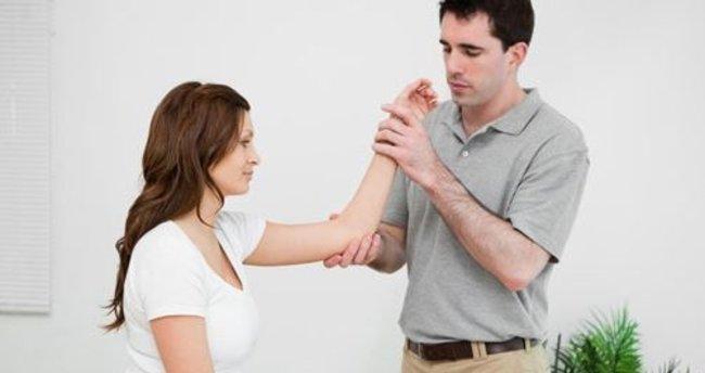 Dirsek ağrısına ne iyi gelir?