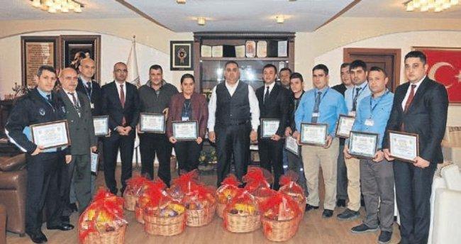Belediye çalışanlarına ödül