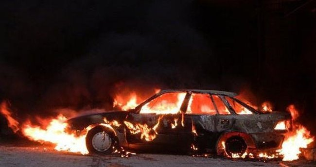 Kocaeli'de otomobil yangını