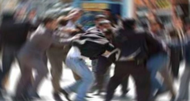Kocaeli'de trafik kazası sonrası kavga: 10 yaralı!