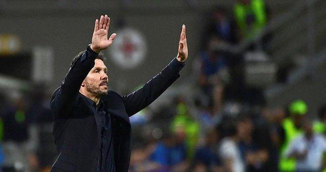 Simeone, sözleşmesini kısalttığını doğruladı