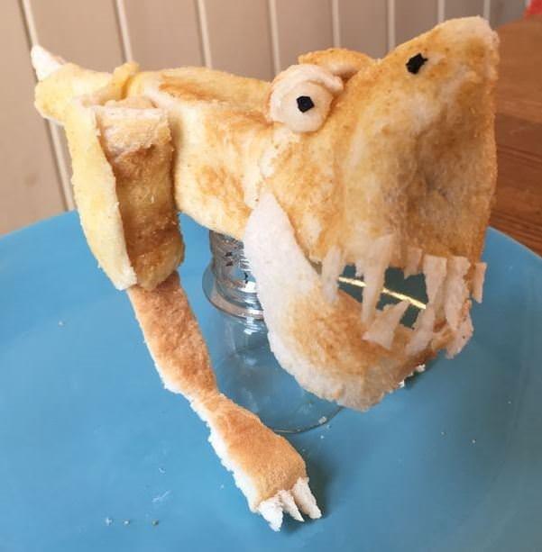 Tost Ekmeğinden Yapılan Eşyalar