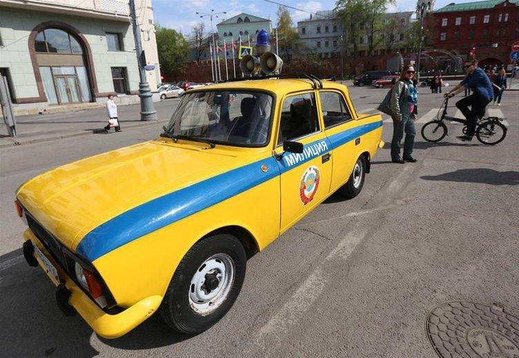 Klasikler Moskova sokaklarında