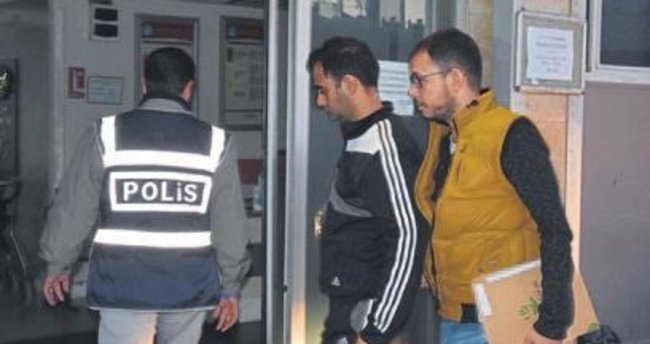 İzmir merkezli ByLock operasyonu:20 gözaltı