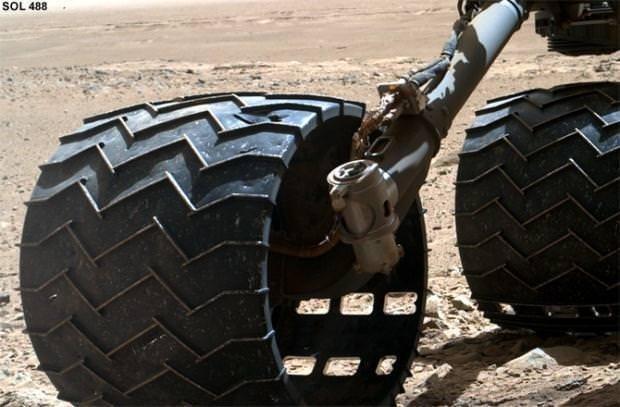 Curiosity'nin sıradışı Mars fotoğrafları