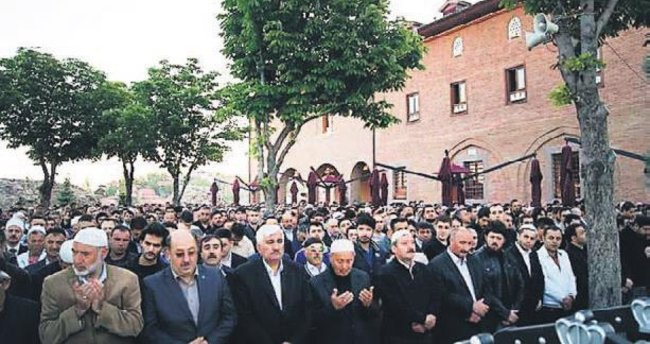 Başkentte sabah namazı sonrası Halep için dua