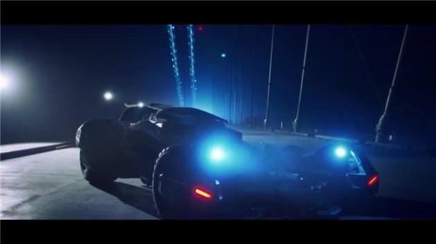 Batman'in aracı 3. Köprü'den böyle geçti