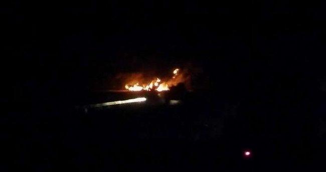 Teröristler Hakkari-Çukurca karayolunda 3 TIR'ı ateşe verdi!