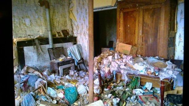 1 Euro'ya aldıkları evi saraya dönüştürdüler