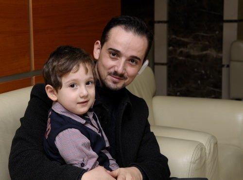 4 yaşındaki çocuk babasının kulağına lolipop sapladı