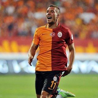 Podolski'den Fenerbahçe'ye kebaplı gönderme