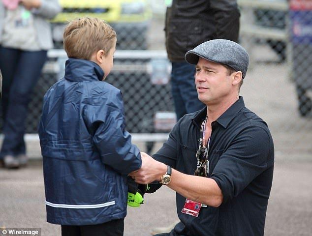 Brad Pitt ve oğlunun hız tutkusu
