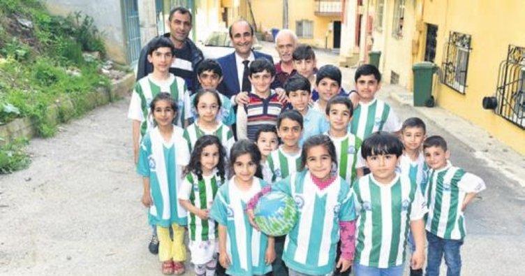 Başkan Edebali çocuklarla çocuk oldu