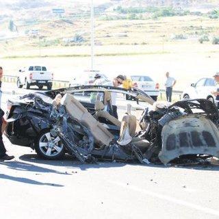 4 üniversiteli genç kazada can verdi