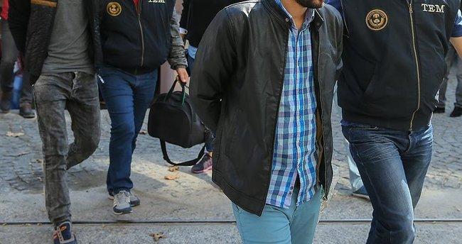 İzmir'de FETÖ operasyonu: 24 gözaltı