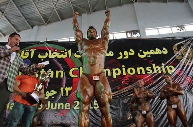Afganistanlı vücut geliştirmeciler hayran bıraktı