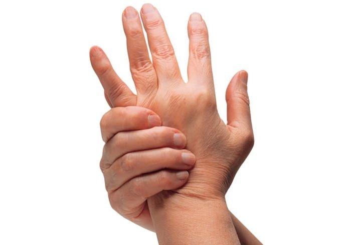 Parmak çıtlatmak zararlı mı?