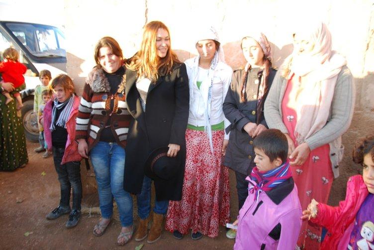 Ünlü kadınlar çadır kentte
