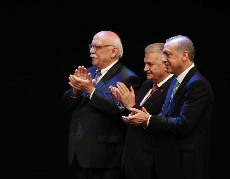 Yaşayan İnsan Hazineleri Ödüllerini Cumhurbaşkanı Erdoğan verdi