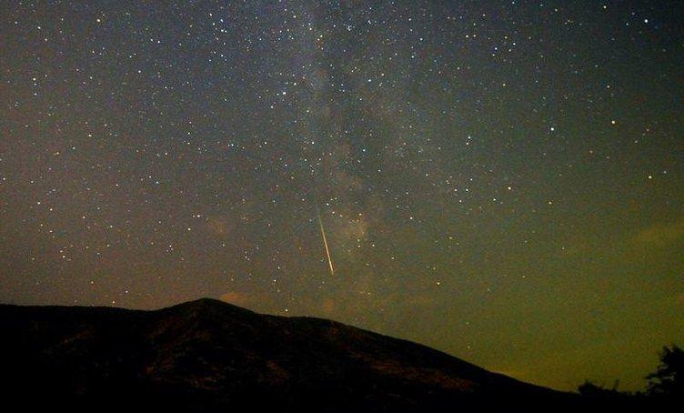Meteor yağmurundan görüntüler