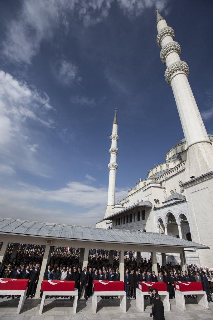 Ankara'daki terör saldırısında hayatını kaybedenlere cenaze töreni düzenlendi