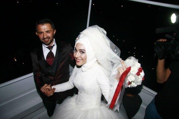 Düğünde vinç sürprizi