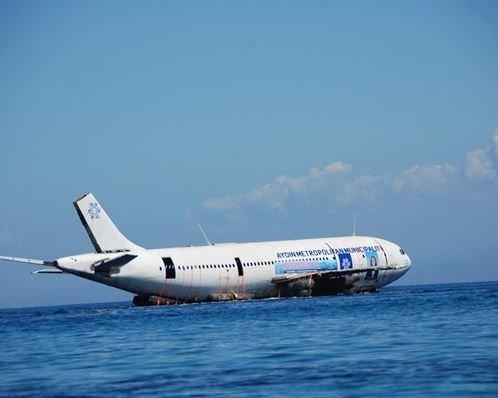 Kuşadası'nda batırılan uçak dalış yapanları bekliyor