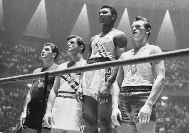 29 Ekim 1960- Roma Olimpiyatları'nda Altın Madalya kazanması