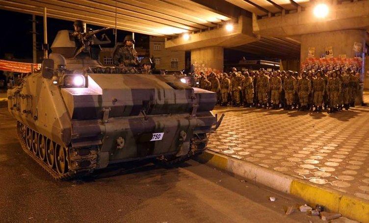 Asker Diyarbakır sokaklarında