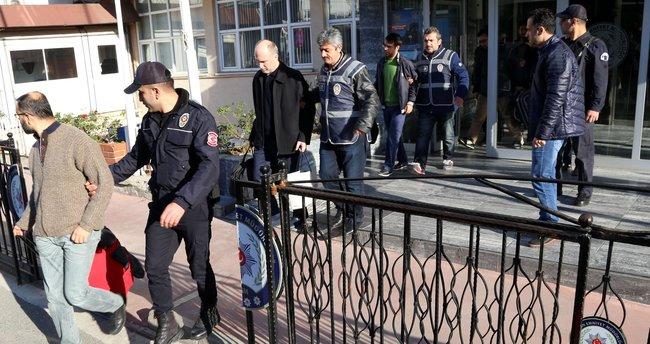 FETÖ'den gözaltına alınan 31 akademisyen adliyeye sevk edildi