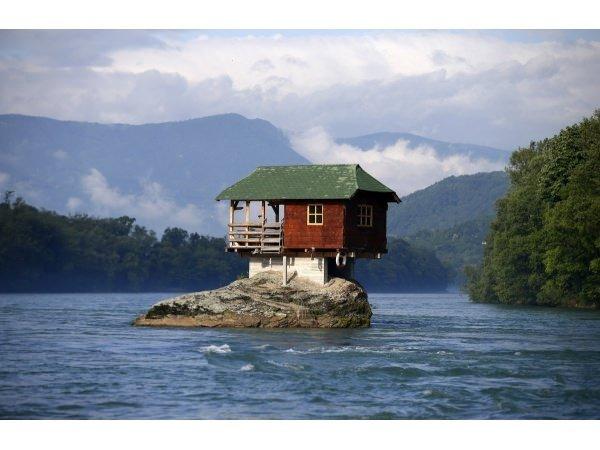 Dünyadaki en tuhaf 16 ev!