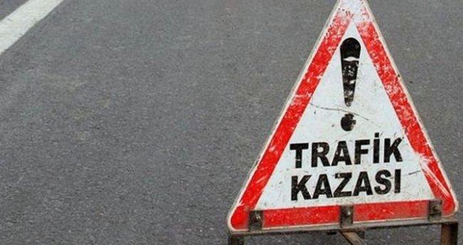 Karabük'te iki otomobilin çarptığı yaşlı kadın öldü 5 kişi yaralandı