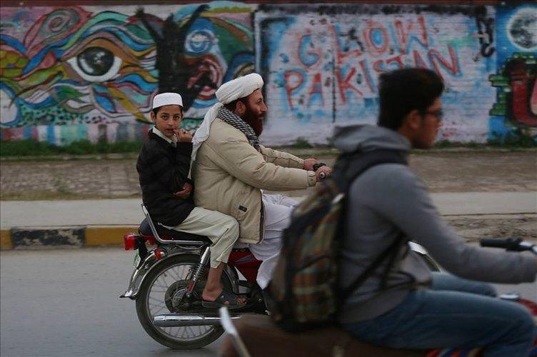 Pakistan'da grafiti sanatı