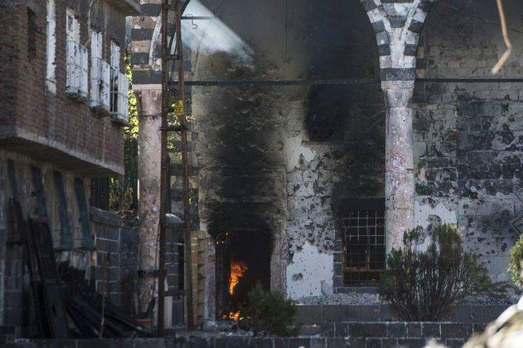 PKK  Osmanlı eseri tarihi camiyi yaktı!